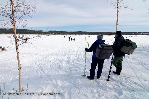 D0803007-Särna-pesca-nel-ghiaccio